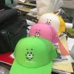 刺繍ワッペン&刺繍帽子。小西さん作、最後のキャラクターとなりました。