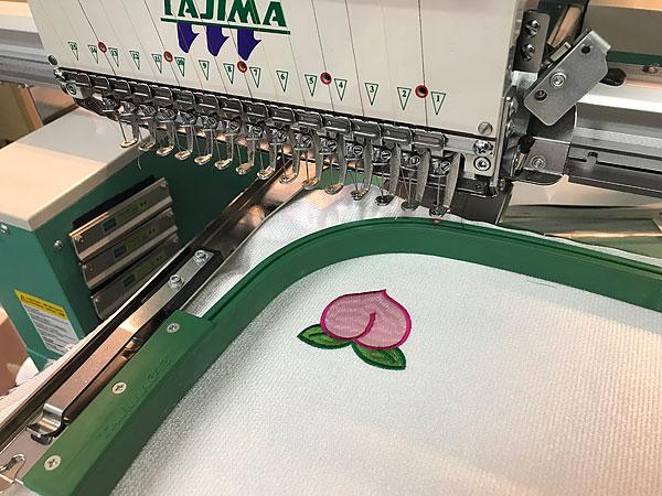 桃刺繍ワッペン